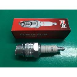 CANDELA fil. 18 per motofalciatrice a petrolio - CHAMPION D21-502